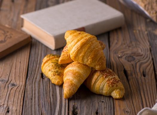 Mini White Croissant ميني كرواسون أبيض